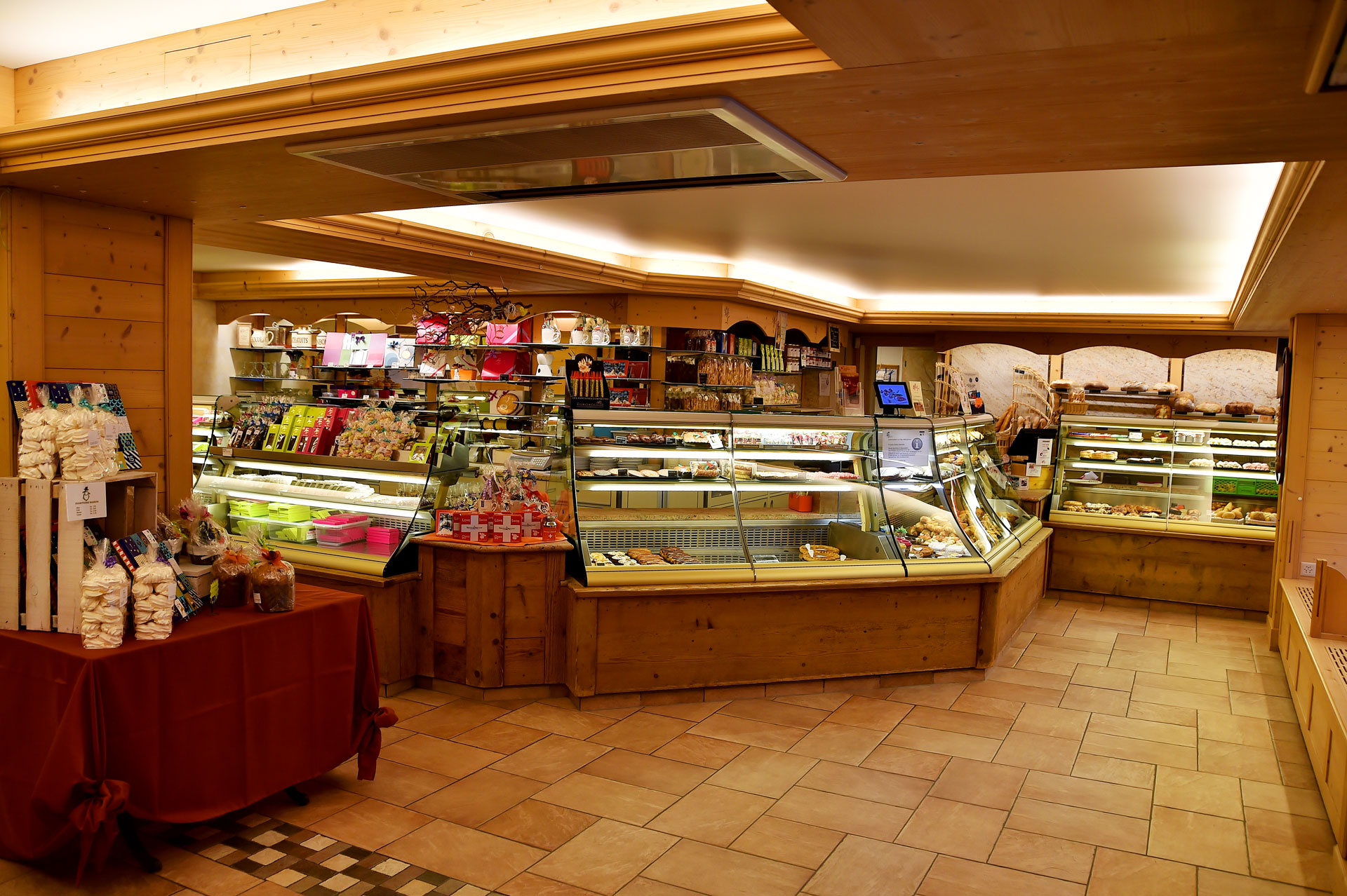 Magasin - Boulangerie, pâtisserie, chocolaterie Heiz à Villars